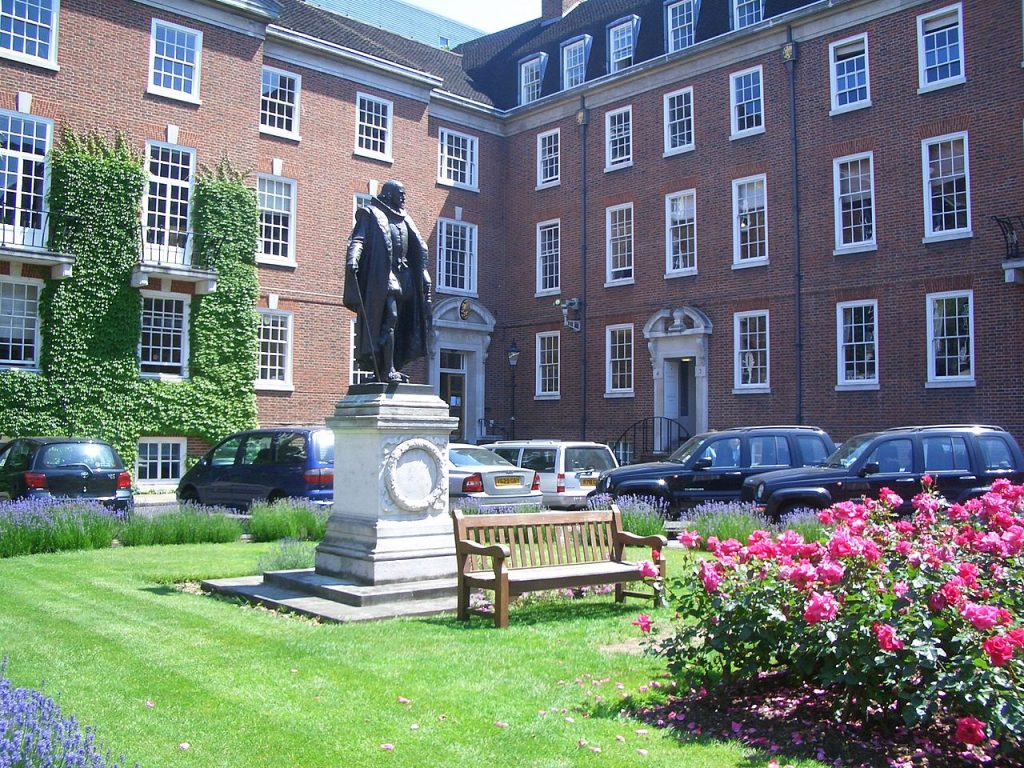 Statue of Francis Bacon on the South Square of Gray's Inn